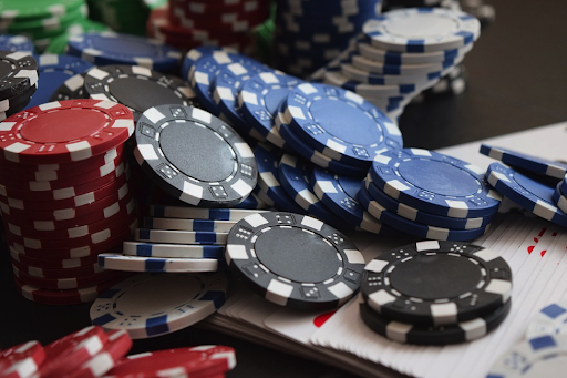 Why More People are moving towards Online Casino Sites?