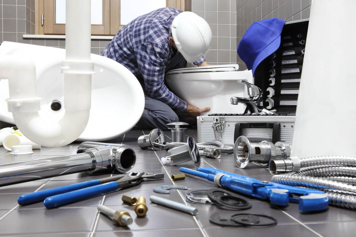 Getting Different Types Of Commercial Plumbing Services: Pipe Relining Costs