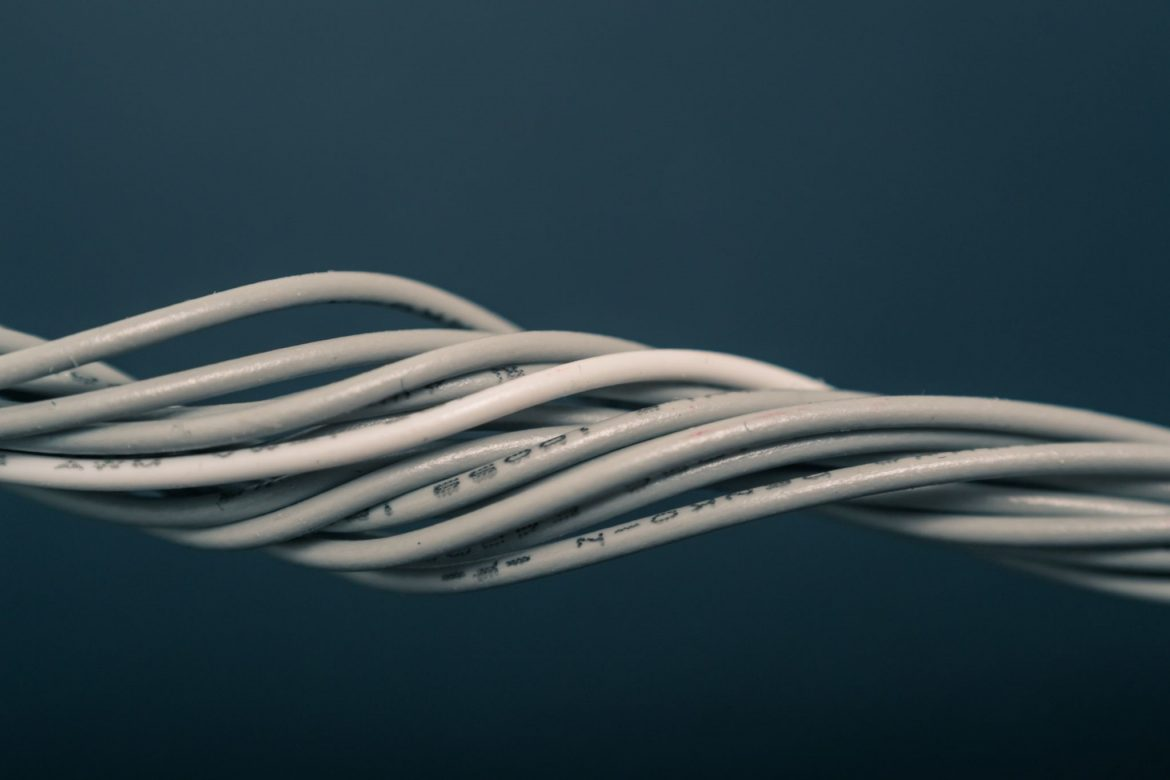 5 Tips To Pick Up The Best Extension Cord From Hardware Store