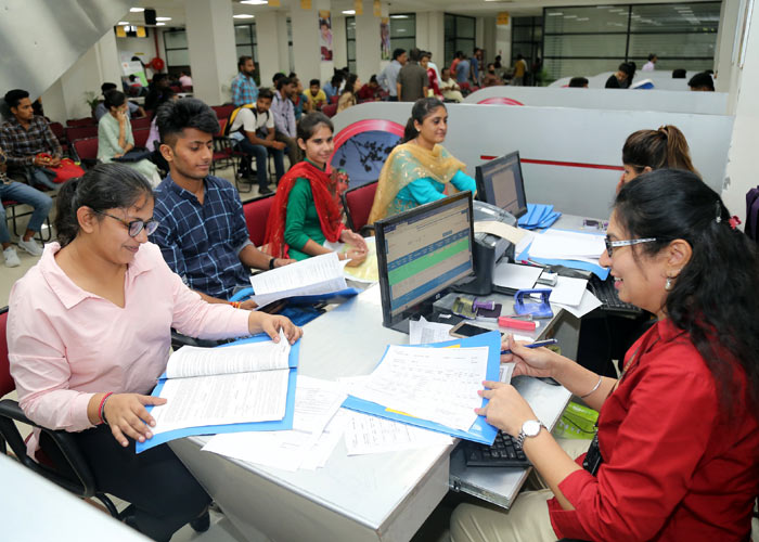 Why is it effective to do distance education in lpu?