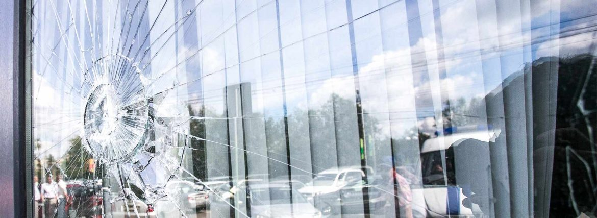 6 Qualities of a Great Glass Repair Service