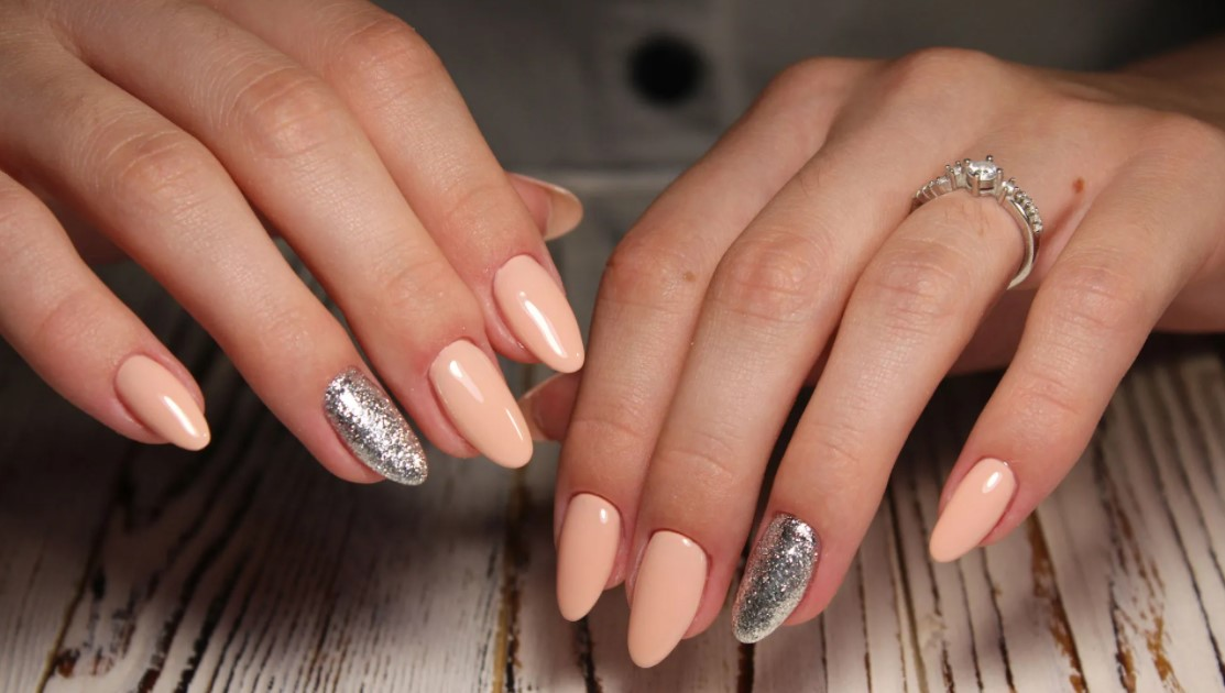 Clutch Nails Release Its Ultimate Guide On How To Get Acrylic Nails Off Easily At Home