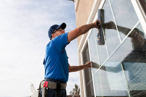 10 WINDOW CLEANING TIPS FROM A PROFESSIONAL