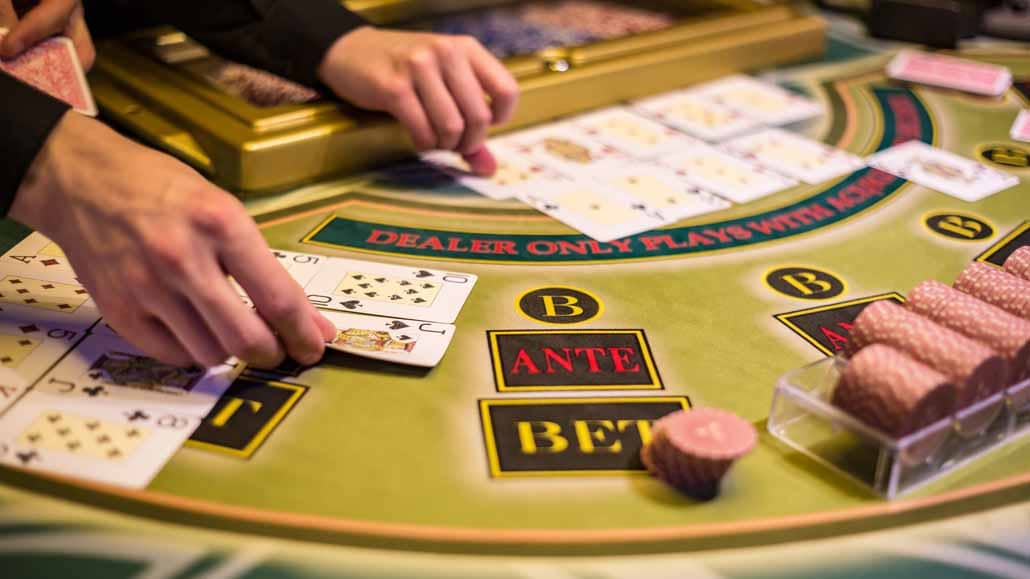 Casino Etiquette: How to Dress Up and Enjoy the Ultimate Casino Experience