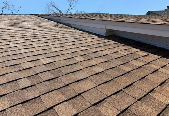 Six Tips on Selecting the Right Roofing Contractor for Roof Replacement